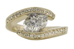 Bypass Oval Diamond Ring