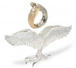 Falcon Ring with Stand
